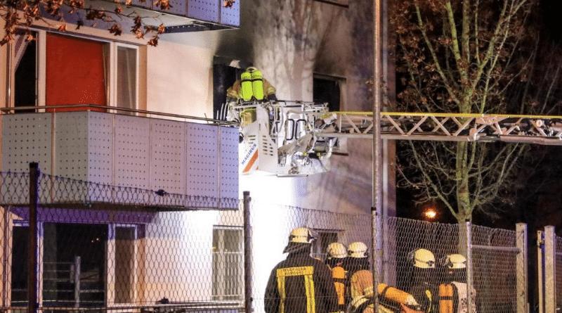 Происшествия: Беженцы устроили пожар и забросали полицию камнями