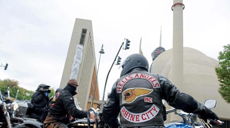 Общество: Рокерские организации в Кельне ведут борьбу за власть и влияние