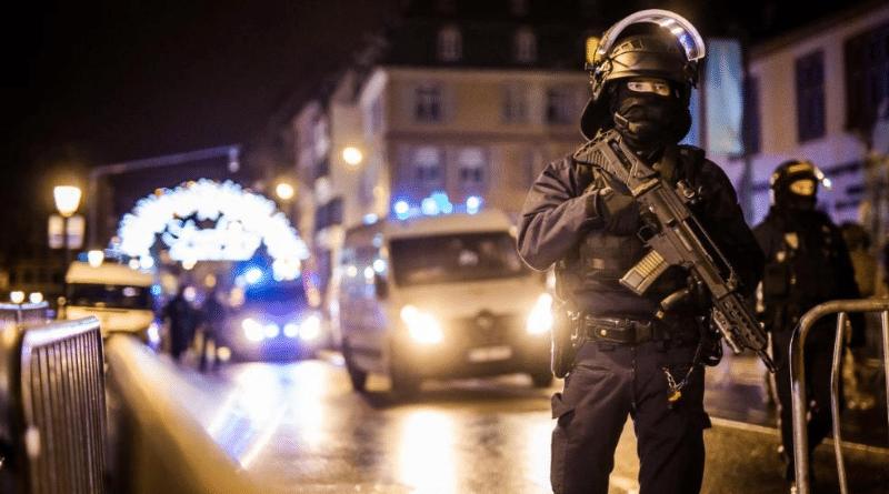 Происшествия: Теракт в Страсбурге: трое погибших, 11 раненых, преступник еще в бегах