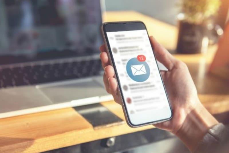 Полезные советы: Уведомление почтового сервиса на экране смартфона