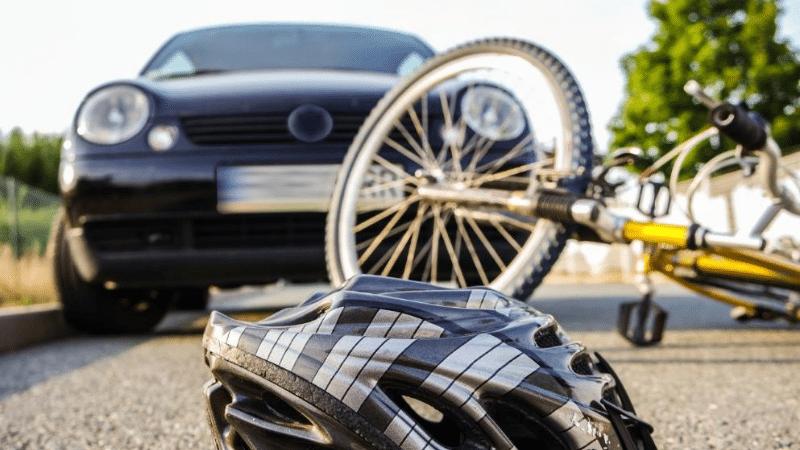 Общество: Страховка от несчастных случаев на дороге: кому и зачем нужно ее оформлять?
