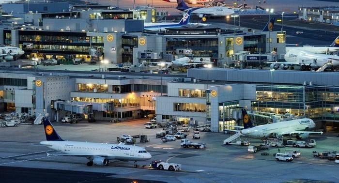 Происшествия: Франкфуртский аэропорт не справляется с нагрузкой из-за праздников