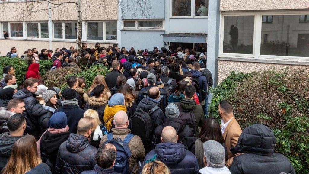 Общество: Нехватка жилья в Берлине: 100 человек претендуют на одну квартиру