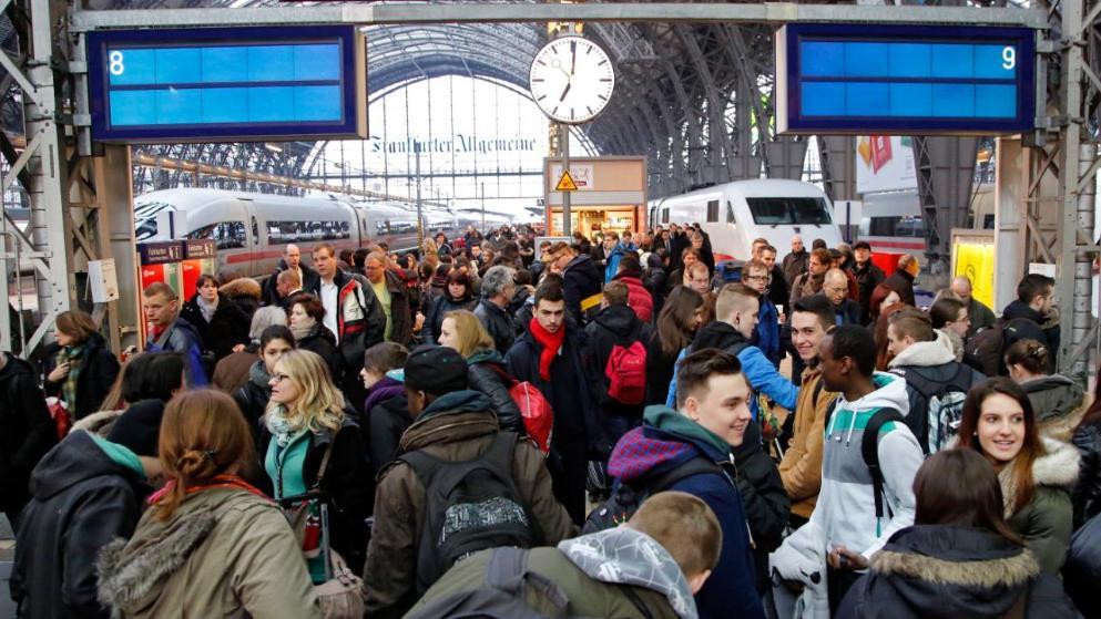 Происшествия: Германия погрузилась в хаос: забастовка остановила железнодорожное сообщение