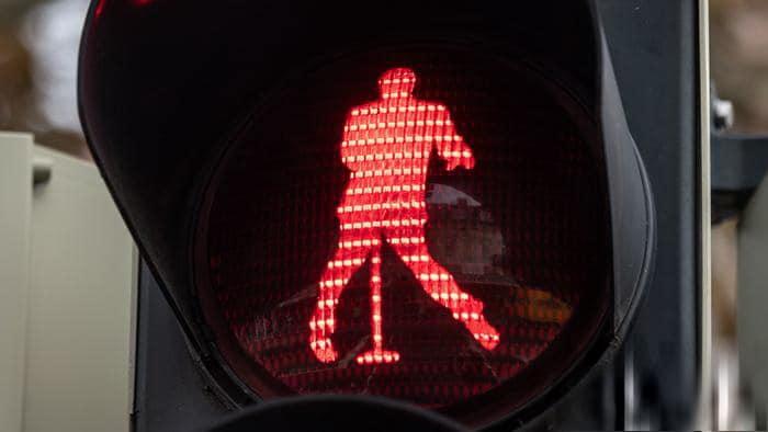 Общество: В Германии появились светофоры с Элвисом Пресли