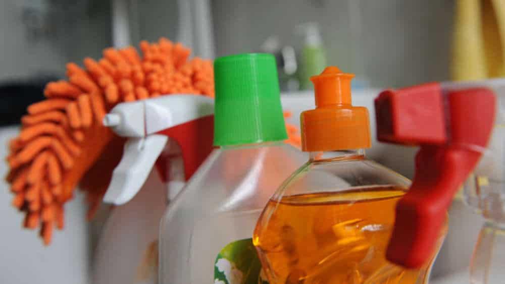 Полезные советы: Как надолго избавиться от пыли в квартире