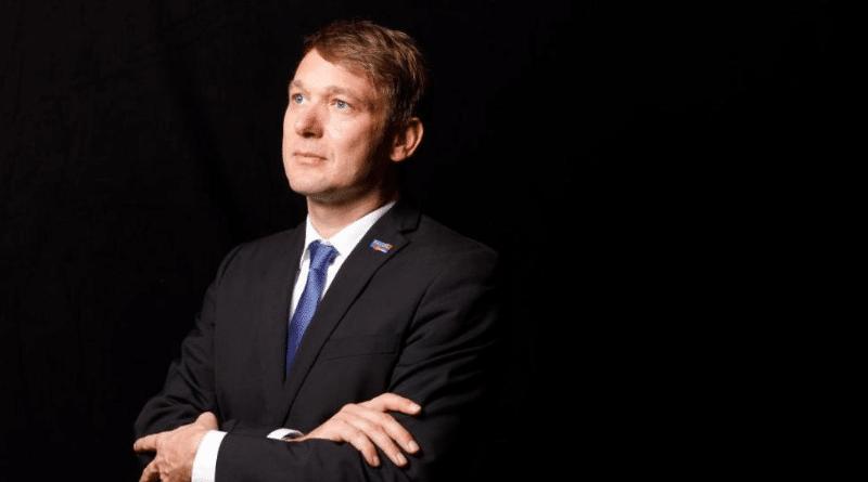 Политика: Политики от АдГ создают свою правую партию