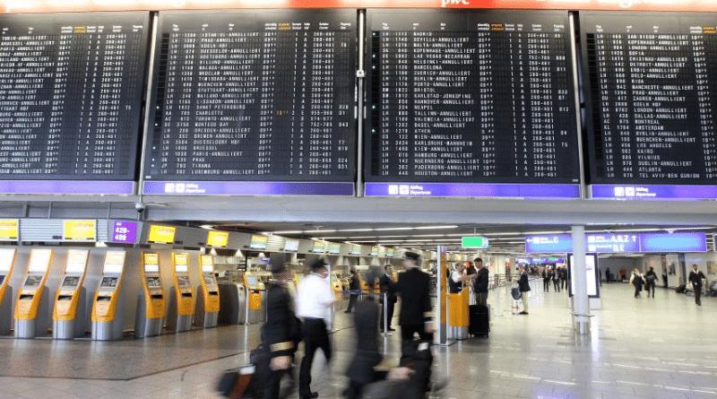 Общество: Задержки и отмены рейсов: в восьми крупных аэропортах Германии пройдут забастовки