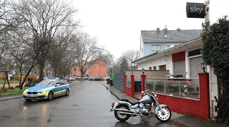 Происшествия: В Кельне неизвестные обстреляли игровой клуб, в котором находилось до 20 человек