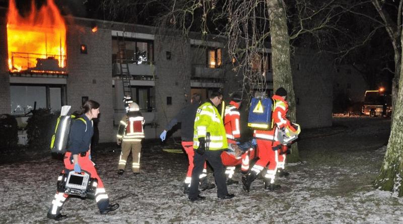 Происшествия: Чтобы спастись от огня, 103-летний пенсионер прыгнул с балкона