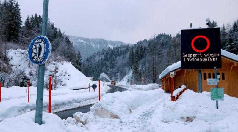 Погода: В Баварии и Альпах катастрофическая ситуация, снегопады не прекращаются