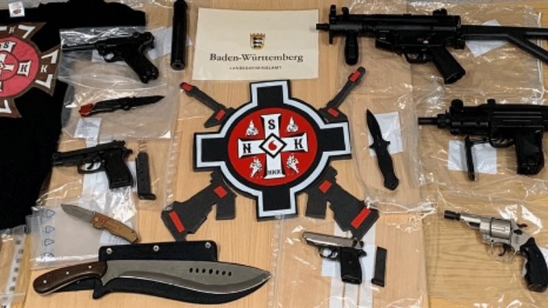 Общество: Рейды в восьми федеральных землях: полиция вышла на след Ку-клукс-клана
