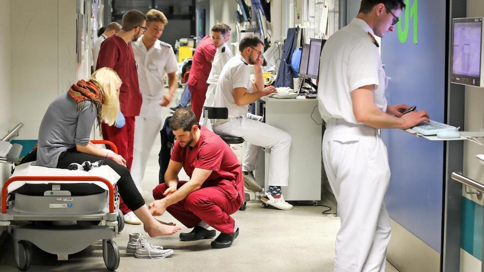 Общество: Пациенты, процедуры, усталость: рабочая неделя медбрата в Германии рис 3