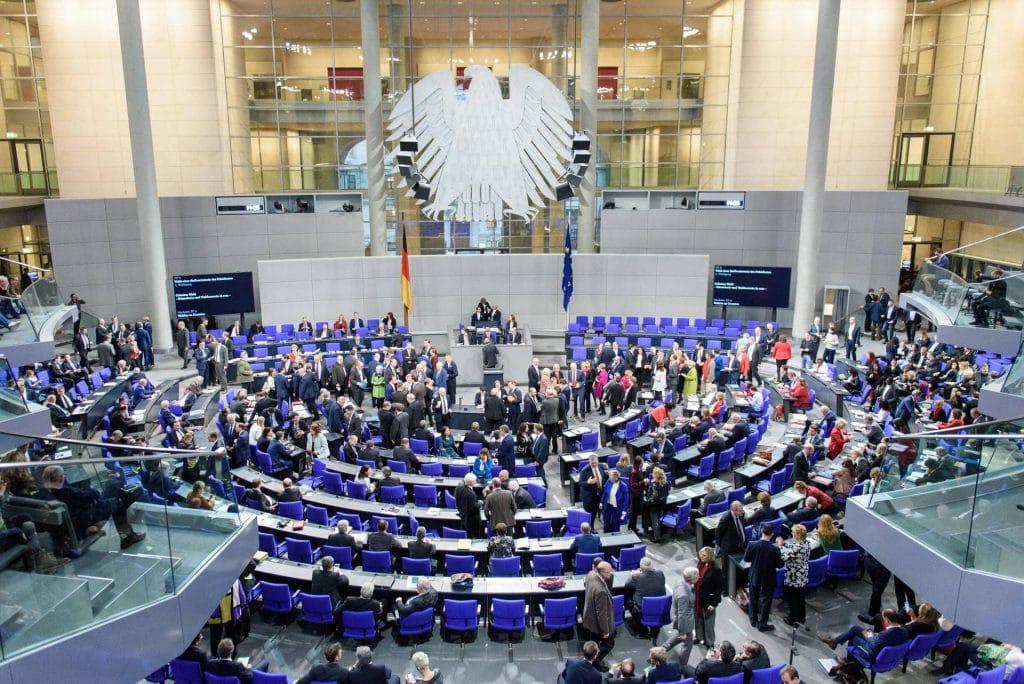 Общество: Бундестаг признал страны Магриба и Грузию «безопасными»