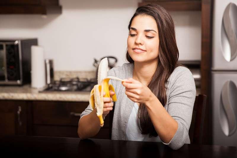 Полезные советы: Почему после чистки бананов нужно всегда мыть руки