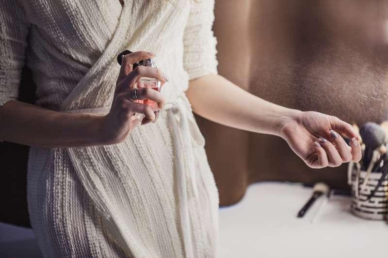 Отовсюду обо всем: Благодаря этим запахам женщины кажутся мужчинам стройнее