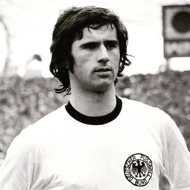 Галерея: Топ-11 лучших футболистов Германии рис 4