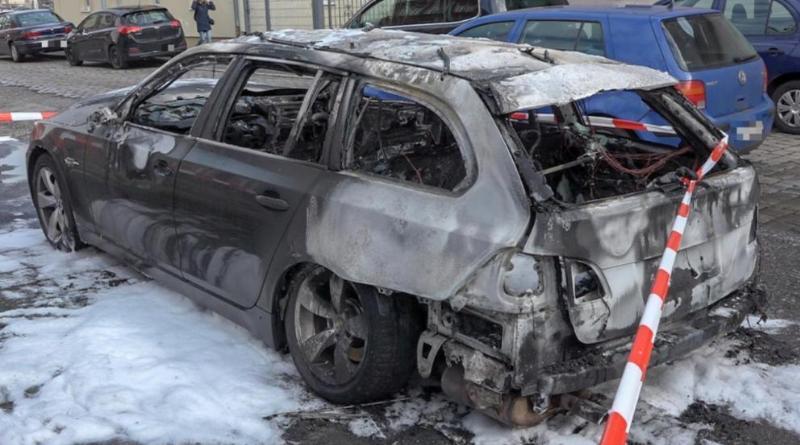 Происшествия: Школьник вытащил двухлетнюю сестру из горящего авто рис 2