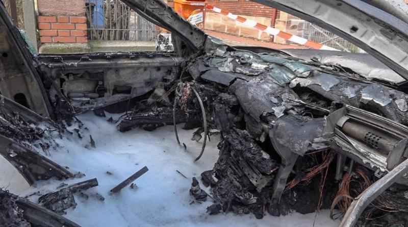 Происшествия: Школьник вытащил двухлетнюю сестру из горящего авто рис 3