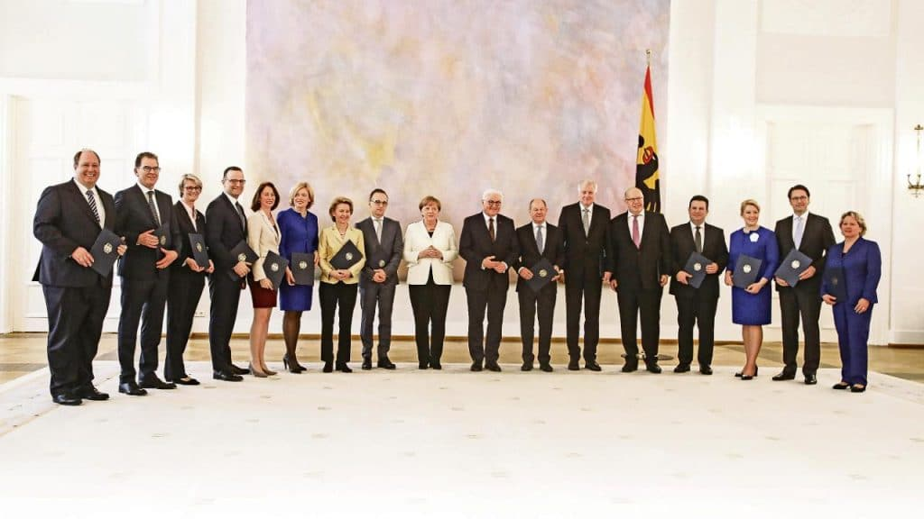 Политика: Немецкие министры рассказывают, что сделали для людей за год правления