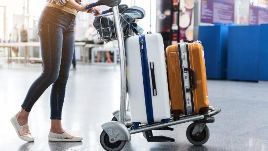 Полезные советы: Как не переплачивать за багаж в самолете
