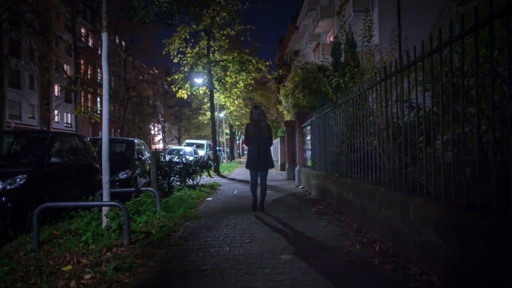 Происшествия: Во Франкфурте неизвестный нападает на женщин: 6 жертв уже обратилось в полицию