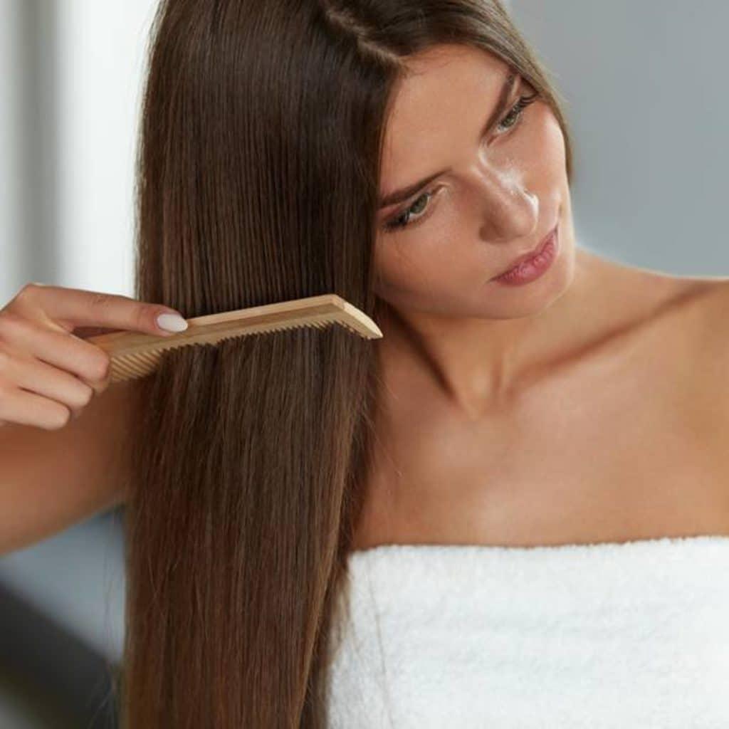 Домашние хитрости: Почему пробор на волосах не стоит делать сразу после мытья головы