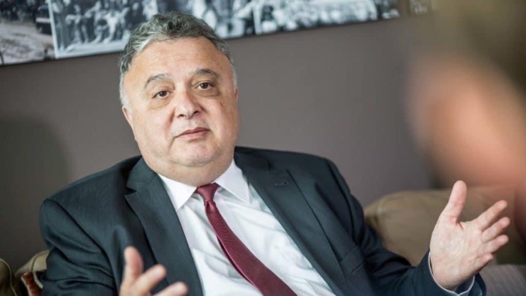 Политика: Посол Израиля избегает контакта с АдГ из-за отношения партии к Холокосту