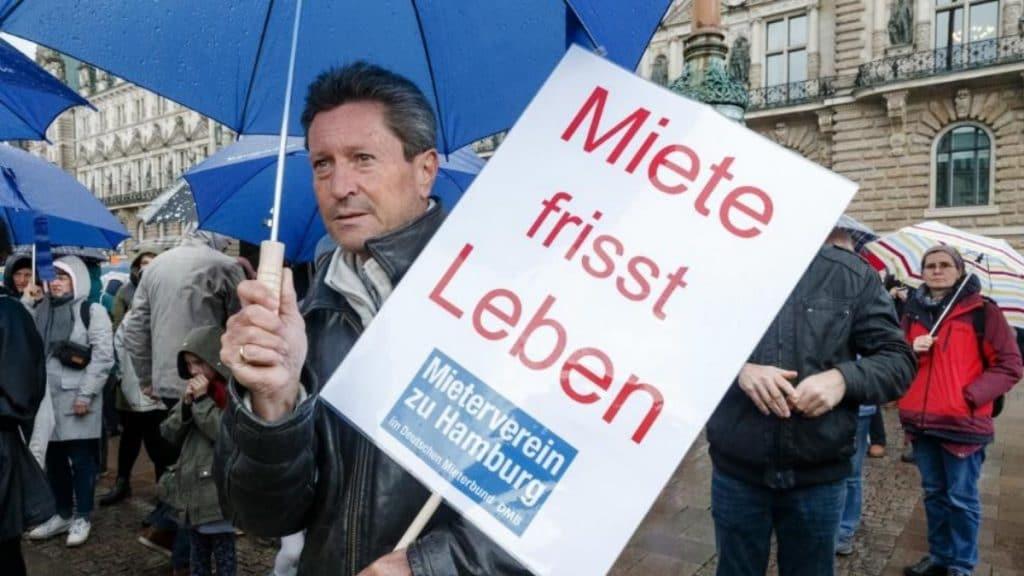 Общество: Из-за роста арендной платы в Германии становится все больше должников