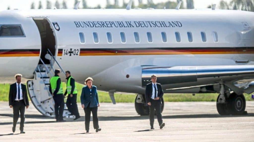 Общество: Власти опасаются, что постоянные поломки правительственных самолетов неслучайны