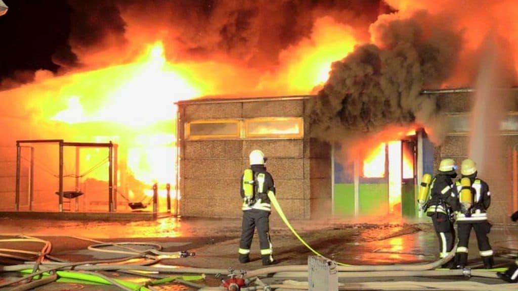 Происшествия: Масштабный пожар в школе произошел по причине поджога?