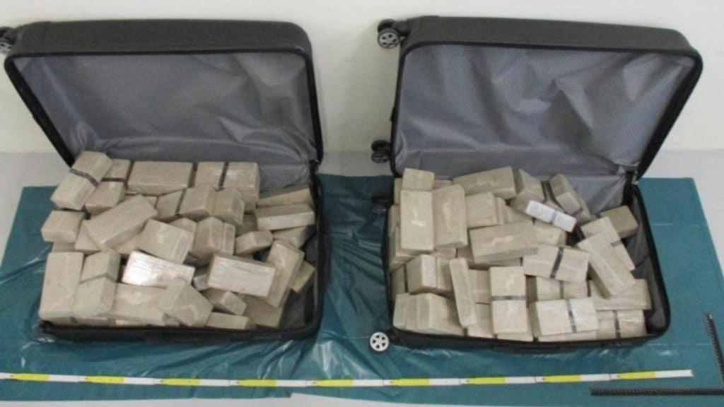 Происшествия: Саксония: дипломаты перевозили 70 килограмм героина