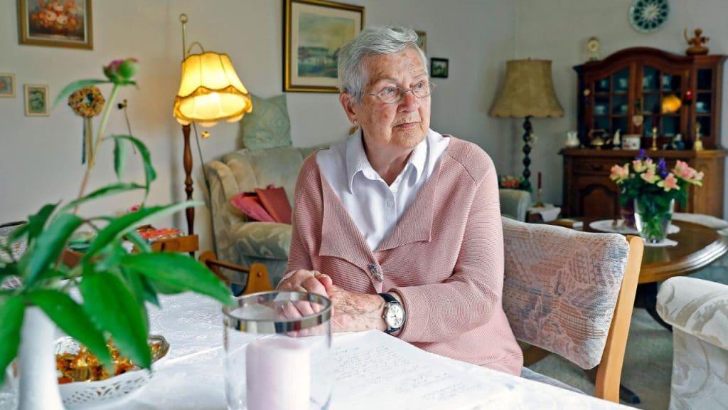 Общество: Власти обязали пенсионерку платить содержание взрослому сыну