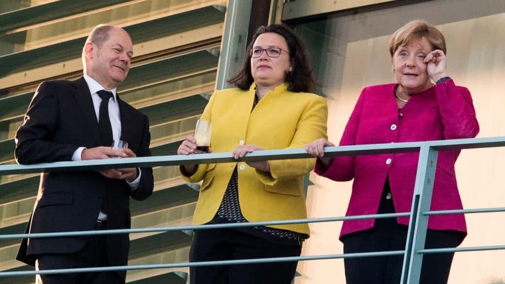 Политика: Политики делают ставки: что будет с большой коалицией после ухода Налес?