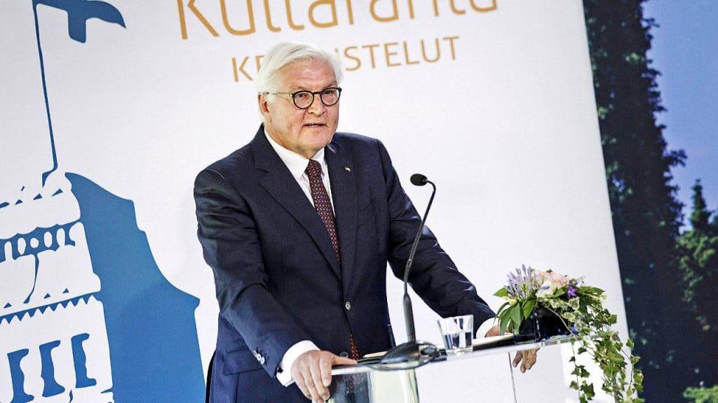 Политика: Президент Германии призывает страны ЕС дистанцироваться от России