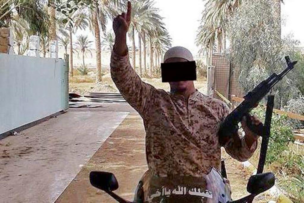 Общество: Боевик ИГ через суд требует вернуть его из Ирака в Германию