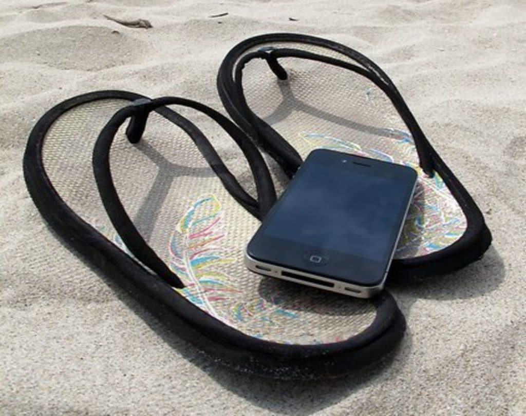 Домашние хитрости: Как помочь смартфону пережить летнюю жару