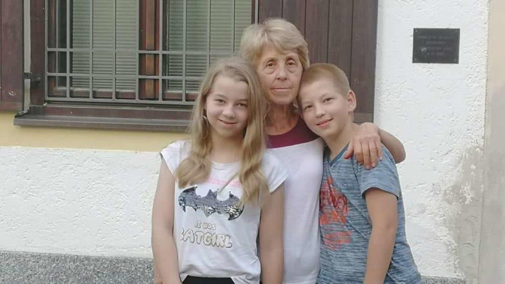 Общество: Водитель Flixbus отказался перевозить бабушку с внуками и оставил их посреди ночи в чужой стране