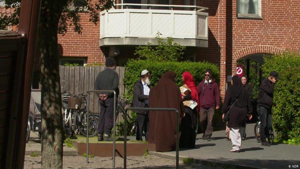Отовсюду обо всем: Дания создает «гетто» для беженцев