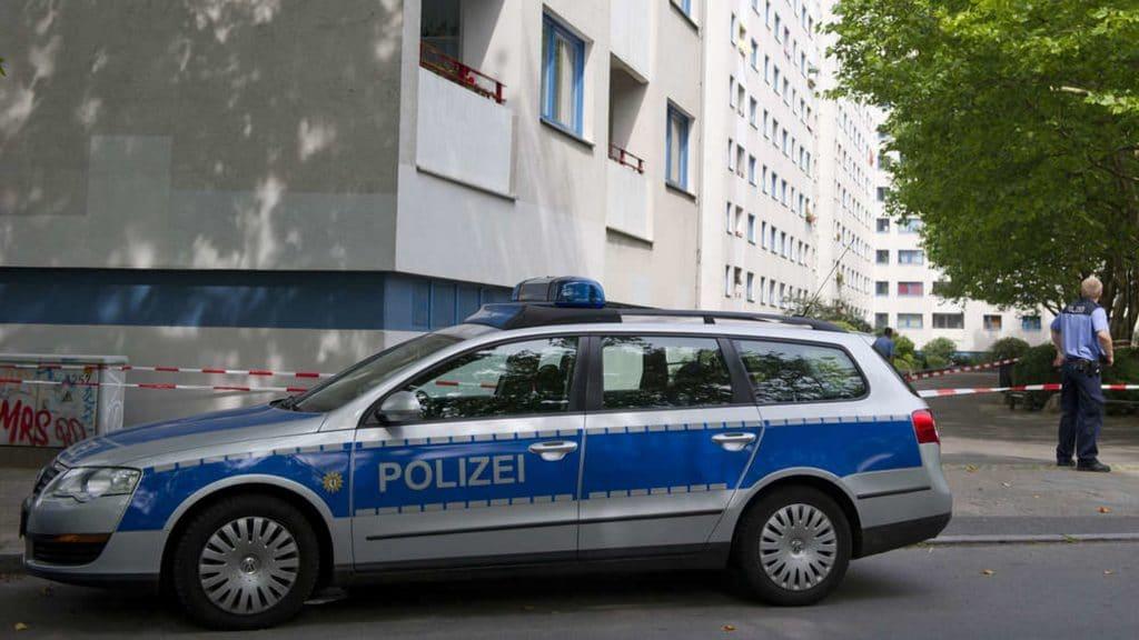 Происшествия: Беженец из Ливана грозил взорвать себя в центре Берлина
