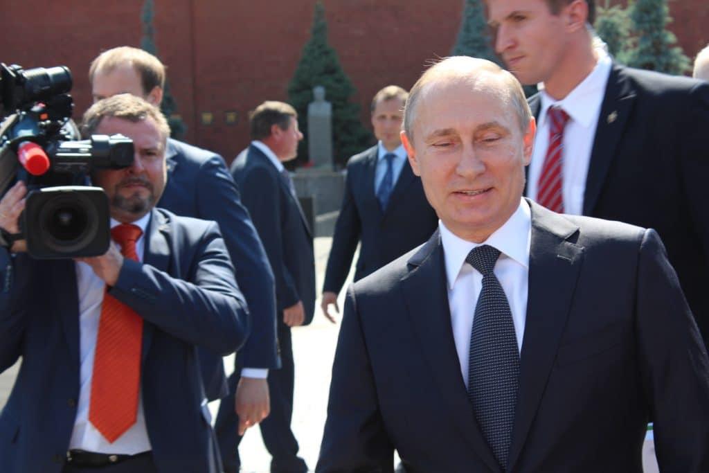 Отовсюду обо всем: В российском городе Воронеж появилось надгробие Путина