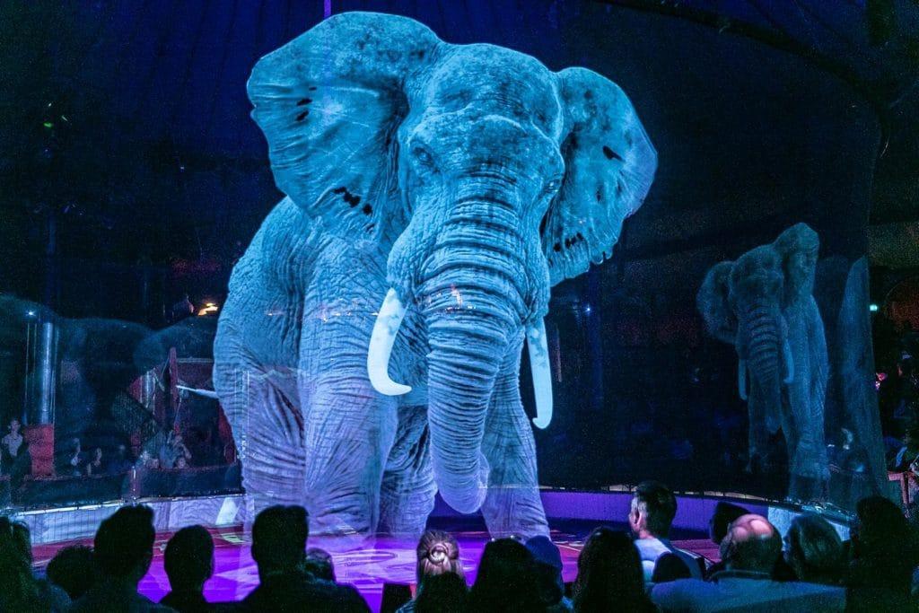 Общество: Немецкий цирк отказался от дрессированных животных: их заменили голограммами (+видео)