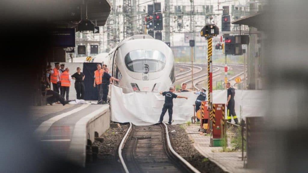 Общество: «В Германии что-то пошло не так»: что в обществе думают об ужасном убийстве ребенка на главном вокзале Франкфурта