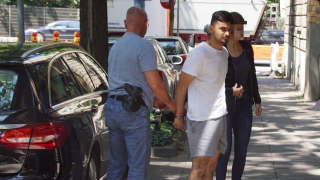 Происшествия: В Штутгарте брат жестоко избил сестру, которая нарушила законы шариата