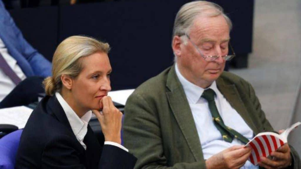 Политика: АдГ - лидирующая партия на востоке Германии