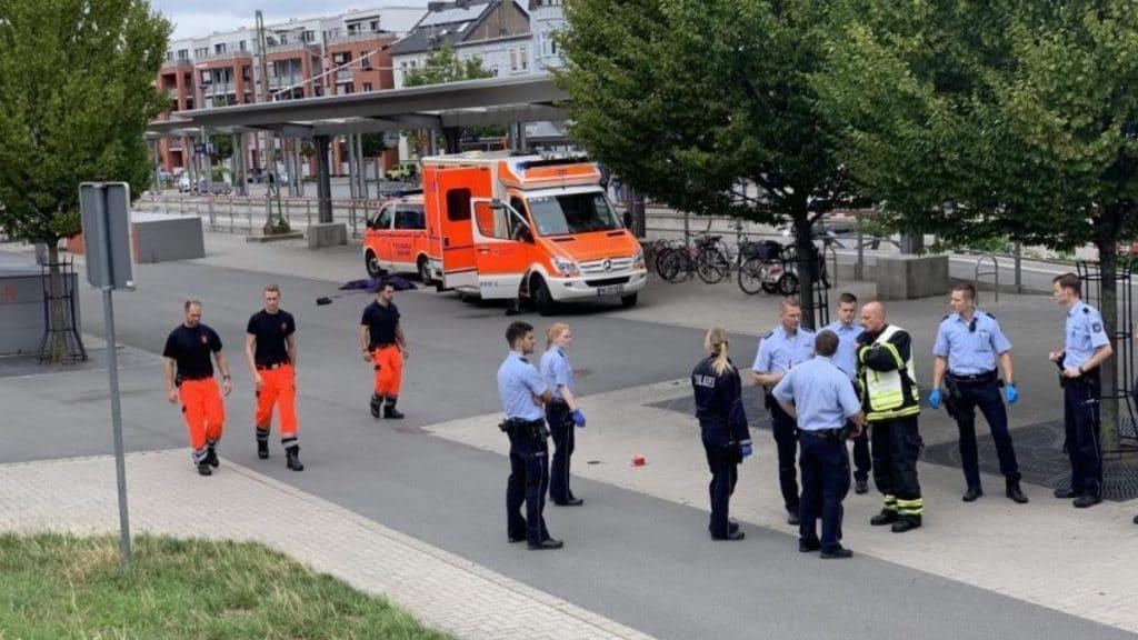Происшествия: На вокзале Изерлона убили мужчину и женщину. Двухмесячный ребенок пережил кровавое нападение