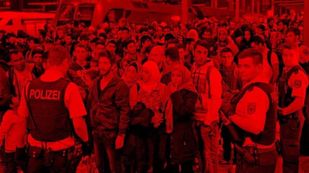 Общество: Беженцы все чаще ездят на родину, нарушая закон. Как работает бизнес по организации поездок в Сирию?