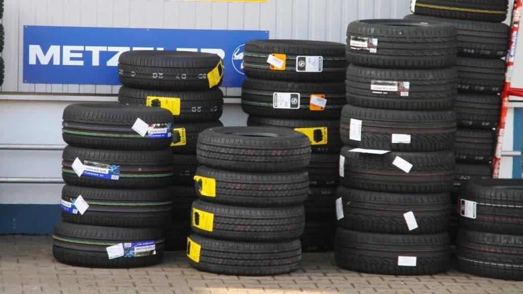 Общество: Грязный бизнес по продаже автомобильных шин в Германии приносит миллиарды
