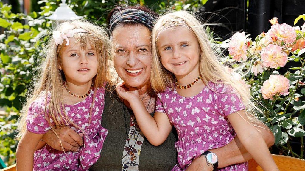 Общество: Украинка помогла жительнице Гамбурга обрести счастье и подарила ей детей