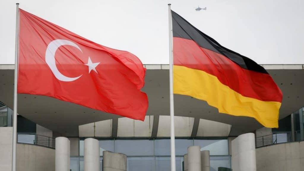 Общество: В турецких тюрьмах возросло количество немцев